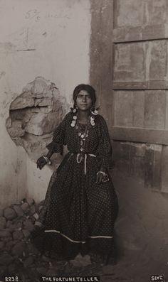 Rromani/gitana fortune-teller in San Luis Potosi, Mexico.