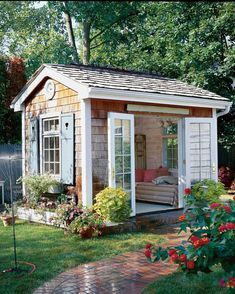 17 Charming She-Sheds to Inspire Your Own Backyard Getaway Backyard Studio, Backyard Sheds, Backyard Retreat, Garden Sheds, Pool Shed Interior Ideas, Shed Bedroom Ideas, Guest House Shed, Shed Playhouse, Shed Office