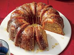 This Bundt cake is filled with fresh pieces of mango. The addition of orange and lime zest make this mango cake extra delicious. Mango Cake, Mango Pound Cake Recipe, Mango Recipes, Juicer Recipes, Detox Recipes, Salad Recipes, Cake Recipes, Dessert Recipes, Cake Tasting