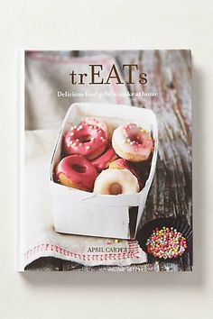 Booktopia has trEATs, Delicious Food Gifts to Make at Home by April Carter. Buy a discounted Hardcover of trEATs online from Australia's leading online bookstore. Mini Doughnuts, Baked Doughnuts, Edible Gifts, New Cookbooks, Dessert Recipes, Desserts, Food Gifts, Diy Gifts, Sweet Tooth