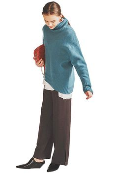 Render People, My Magazine, Architecture Graphics, Drawing Clothes, Gisele, Head To Toe, Harem Pants, Turtle Neck, Sweaters