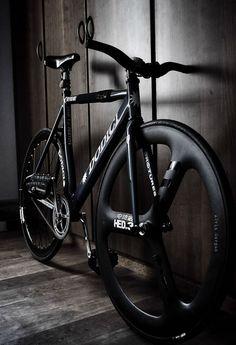 bisikleta:  Rullino foto-1312 (by alvincorpuz22)