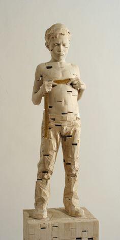 Gehard Demetz - Contemporary Artist - Wood Sculpture - Ready for Paris - 2005