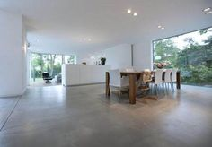 it wp-content uploads 2015 04 pavimento-grigio-cemento-liscio-levigato-spatolato-a-mano-microtopping-microcemento-moderno. Polished Concrete Flooring, Modern Flooring, 20 M2, Moraira, Minimalist House, Interior Decorating, Interior Design, Modern Design, Sweet Home