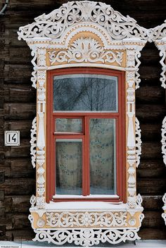 Tomsk, Russia beautiful… I want windows like this! Wooden Architecture, Russian Architecture, Beautiful Architecture, Architecture Details, Scandinavian Architecture, The Doors, Windows And Doors, Pintura Exterior, Traditional Windows