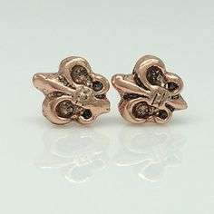 Stud Earrings For Men, Rose Gold Earrings, Unique Roses, Knight, Studs, Cufflinks, Trending Outfits, Unique Jewelry, Handmade Gifts