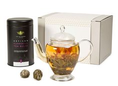 Glass Teapot with Flowering Tea Gift Caddy - 10 Bulbs The perfect gift for tea lovers. Contains 10 Flowering Tea Bulbs made from the finest quality silver needle green tea and a Zenshi Glass Teapot. Tea Gift Sets, Tea Gifts, Glass Teapot, Flower Tea, Brewing Tea, Beautiful Gift Boxes, Artisan, Things To Come, Christmas 2017