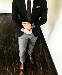 Fashion Mens Classy Gentleman Style Ideas by Gentleman Mode, Gentleman Style, Men's Business Outfits, Traje Casual, Blazer Outfits Men, Pants Outfit, Mode Man, Moda Formal, Mein Style