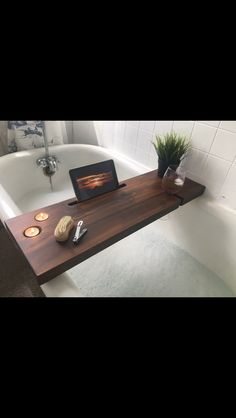 Wood Shop Projects, Small Wood Projects, Cool Woodworking Projects, Diy House Projects, Home Crafts, Diy Home Decor, Bathtub Decor, Wooden Bath, Wood Creations