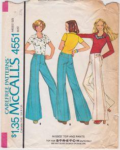 1970s Bust 31.5 Misses Knit Top & Bell Bottom Hip Hugger