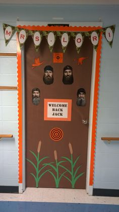 My classroom door. Welcome Back Jack! Duck Dynasty orange and camo  sc 1 st  Pinterest & My Duck Dynasty door!! #classroomdoor By: http://www.storyjean ...