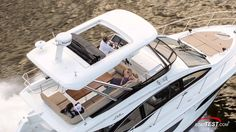 Sea Ray 400 Fly Features 2016- By BoatTest.com