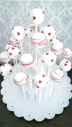 St. Valentine cakepops - white and red hearts |