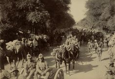 Troops on the move #India late #1800s #British #Army pic.twitter.com/Lq9qDBjcZU