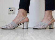 Côte D'azur / Azurée Cannes / Chaussures vintage / Tressage-Crochet Argenté / Talon Et Empeigne Carré / 90'S de la boutique LARELIGIEUSE sur Etsy