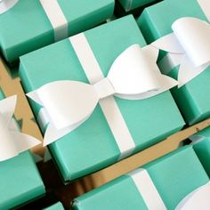 Free for a while! Breakfast at Tiffany's - Printable aqua gift box with white bow so cute! www.stylemyparty.co.uk