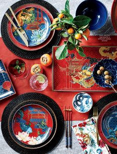 Chinese Wedding Decor, Chinese New Year Decorations, New Years Decorations, Table Decorations, Chinese New Year Party, Chinese New Year Design, Chinese Table, Chinese Dinner, Feng Shui