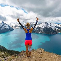 Wowsers WHAT A VIEW - One of the many gifts from Trail Running  : @haileyvandyk : @james_frystak_studio -  British Columbia  #Trailrun #trailrunning #ultrarunning #ultratraining #mountainrunning #traillove #getofftheroad #trailchix #runforlife #skyrunning #runnersworld #runnerscommunity #runnerslife #runhappy #runforfun #runninggirl #runningwoman #iloverunning #runforlife #TrailRunner #instarunners #strongwomen #outdoorwomen #seemerlag  #timetoplay #explorebc #hellobc #RLAG #trailchix…