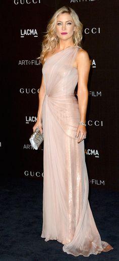 LACMA Art + Film Gala - Kate Hudson in a pale pink asymmetric Gucci gown. Elegant Dresses, Pretty Dresses, Beautiful Dresses, Kate Hudson, Traje Black Tie, Gucci Gown, Gucci Clutch, Vestidos Fashion, Red Carpet Dresses
