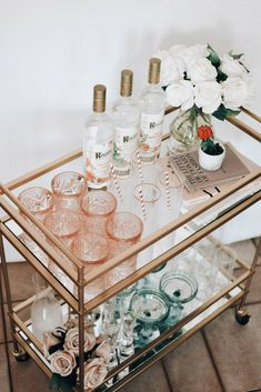 With the arrival of Spring came the inspiration to finally put together my bar cart! Sharing my spring bar cart reveal, along with 5 simple + refreshing cocktail recipes you'll love. Home Bar Decor, Bar Cart Decor, Bar Cart Styling, Bar Cart Essentials, Home Bar Areas, Drinks Trolley, Tea Trolley, Gold Bar Cart, My Bar