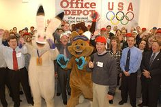 Olympic gold medallist Phil Mahre joins the 2002 Olympic mascots in a cheer to kick-off the 2002 Olympic Winter Games in Salt Lake City, Utah. (Photo by Matthew Stockman/Getty Images)