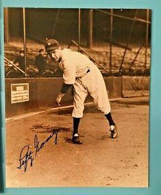 New York Yankees VERNON /'LEFTY GOMEZ/' Glossy 8x10 Photo Poster Baseball Print