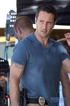 Alex O'Loughlin..