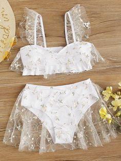 Cute Swimsuits, Women Swimsuits, Wedding Bikini, Bride Bikini, Bordado Floral, White Swimsuit, Swimsuit With Skirt, Mesh Skirt, Bra Types