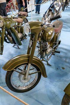 Jawa ČZ 150 | by The Adventurous Eye Vintage Motorcycles, Cars And Motorcycles, Vintage Bikes, Vintage Cars, Jawa 350, Cute Good Night, Cafe Racing, Motor Scooters, Moto Bike