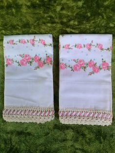Vintage 1960s Pillowcases Pink Roses Tatted Lace Edging Cotton Queen Size 2015455 - pinned by pin4etsy.com