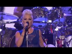 ▶ Pink - Try (iHeart Radio Music Festival) - YouTube