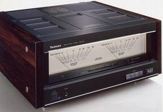 Technics SE-A100 Class AA Amplifier with very stylish and BIG VU meters! Hifi at its best!