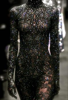 Somarta, model, runway, couture, haute couture, fashion, high fashion, fashion week, Tokyo Fashion Week, sequins, crystals, gemstones, beading, lace, jewels, jewelry, bodysuit, gothic, detail, embroidery, sparkles, glitter, Somarta Couture, couturier, Fall 2007,