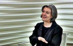 A ministra Cármen Lúcia, presidente do Supremo Tribunal Federal (STF), afirmou na noite da última segunda-feira (17) que tem todo o interesse em colocar na pauta da Corte a apreciação dos processos que questionam o fatiamento do julgamento impeachment da ex-presidente Dilma Rousseff. No Senado, os p