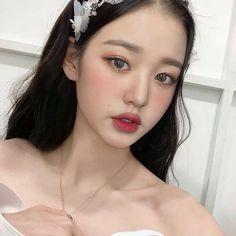 Korean Girl, Asian Girl, Pretty People, Beautiful People, My Girl, Cool Girl, Selfies, Beautiful Young Lady, Kpop Aesthetic