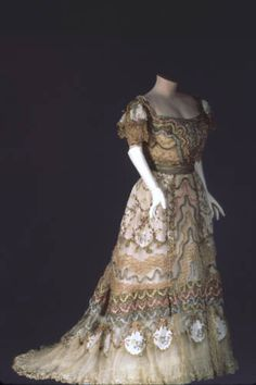 1900, France - Dress by Doeuillet, Paris - Silk taffeta, ribbon, lace, net