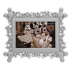 US$ 24.95  - valor médio, sem frete ou impostos (sujeito à alteração sem qualquer aviso).   Mickey Mouse Icon Metal Photo Frame - 4'' x 6''