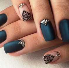 33 Gorgeous Black Nail Arts & Designs
