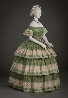 1855-1860 silk gauze dress. FIDM Museum.
