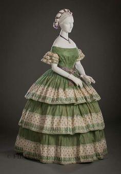 1855-1860 silk gauze dress. FIDM Museum.
