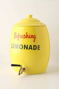 lemonade stand... LOVE this... so many ideas for other fruits/flavours