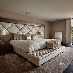 home luxury bedroom design, champagne bedroom e luxurious b Dream Rooms, Dream Bedroom, Home Bedroom, Modern Bedroom, Bedroom Furniture, Bedroom Wall, Stylish Bedroom, Bedroom Black, Bedroom Lamps