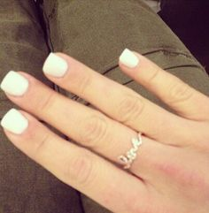 I sware i'm the only one who LOVES square nails