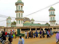 GAMBIA - Mezquita de Bundung en Serekunda. El 90% de los gambianos son musulmanes.