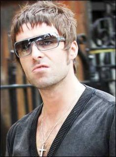 Liam Gallagher Sunglasses, Liam Gallagher Oasis, Mod Hair, Alka Seltzer, Britpop, John Paul, Cool Haircuts, Elsa, Vegan Recipes