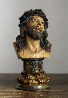 Etsy のJesus Statue Santo Christ of Limpias 1940s Vintage Antique Religious Glass Eyes Spain Olot/508(ショップ名:GliciniaANTIC)