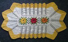 Capatex Barbantes: Tapete de Crochê em Barbante com três flores