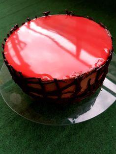 De multă vreme mi-am propus să fac un tort entrement dar am tot amânat, aşteptam momentul potrivit, care a şi venit cu ziua mea. Este un tort deosebit, cere o oarecare atenție dar rezultatul este p… Mousse, Birthday Cake, Desserts, Food, Cakes, Pies, Sweets, Tailgate Desserts, Birthday Cakes
