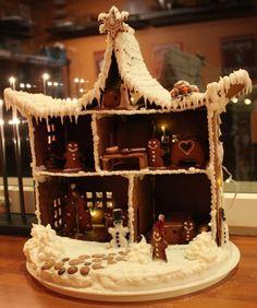 ,Gingerbread dollhouse
