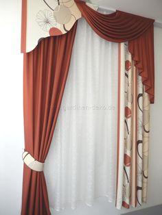 Formschöner klassischer Vorhang mit Schals und Schabracke in bräunlichem rot - http://www.gardinen-deko.de/formschoener-klassischer-vorhang-mit-schals-und-schabracke-braeunlichem-rot/